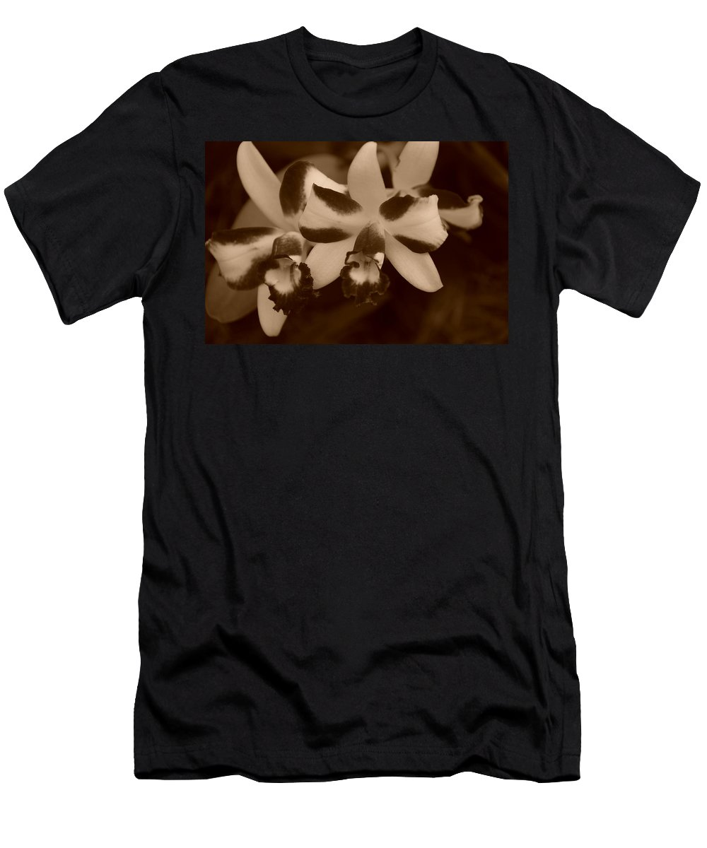 Macro Men's T-Shirt (Athletic Fit) featuring the photograph Double Orchid by Rob Hans