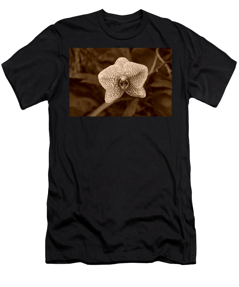 Macro Men's T-Shirt (Athletic Fit) featuring the photograph Orchid by Rob Hans