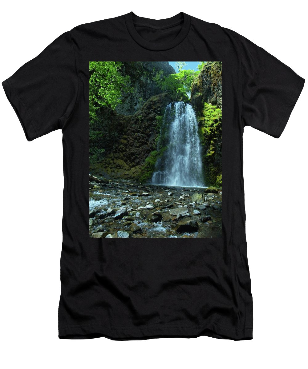 Waterfall Men's T-Shirt (Athletic Fit) featuring the photograph Fall Creek Falls by Teri Schuster