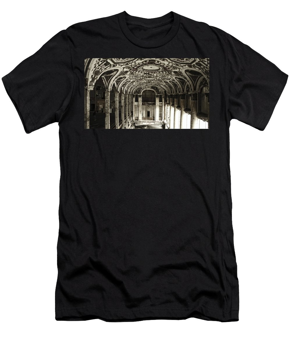 Michigan Theater Men's T-Shirt (Athletic Fit) featuring the photograph Grand Entrance by Chris Fleming