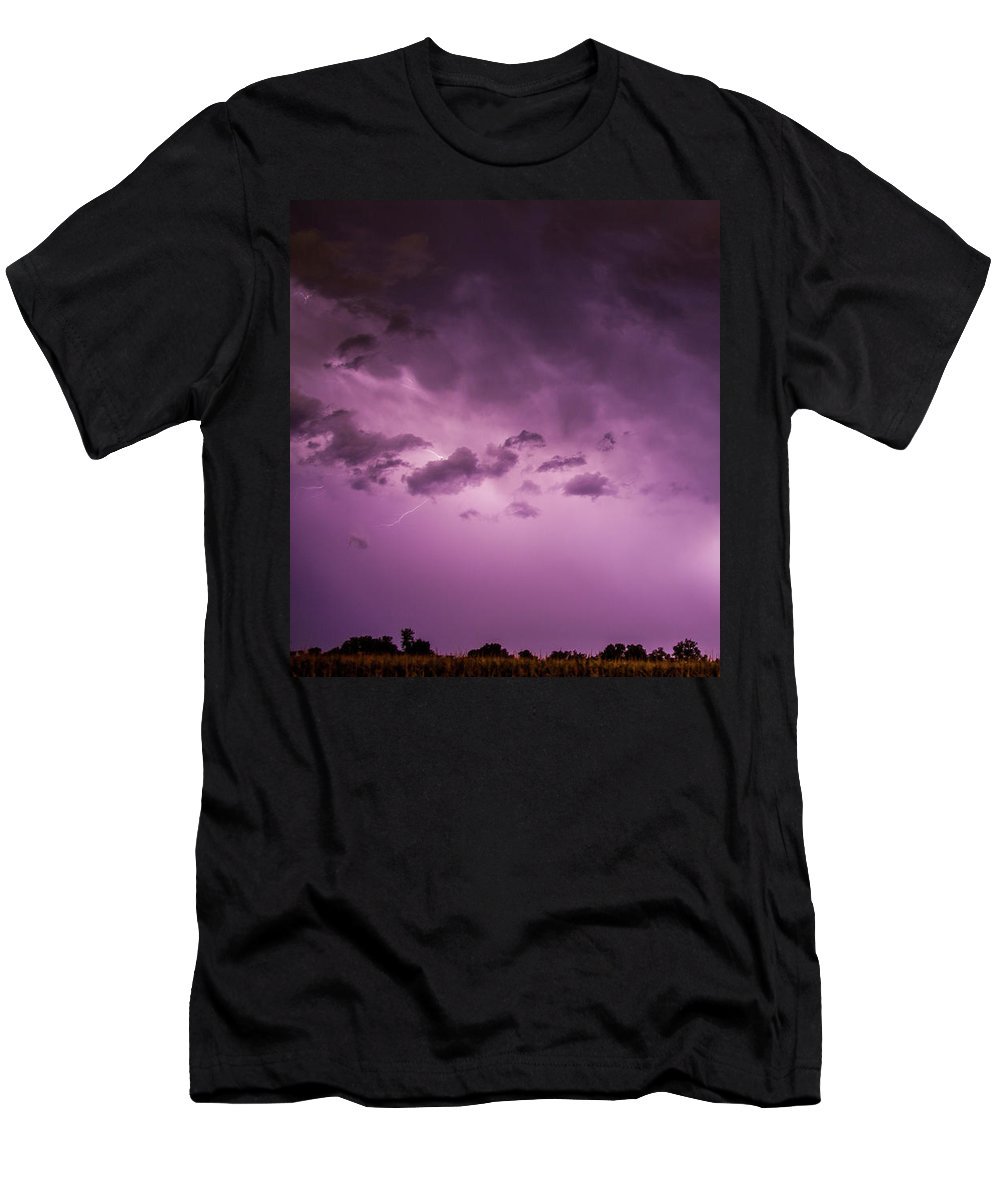 Nebraskasc Men's T-Shirt (Athletic Fit) featuring the photograph A Great Way To End This Chase Day 009 by NebraskaSC