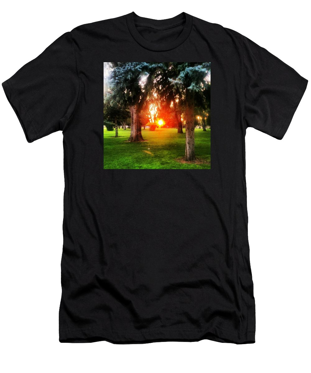 Sunset Men's T-Shirt (Athletic Fit) featuring the photograph A Hope For Another Day by Anthony Loch