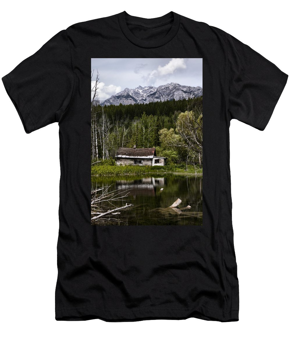 House Men's T-Shirt (Athletic Fit) featuring the photograph Abandoned II by Monte Arnold