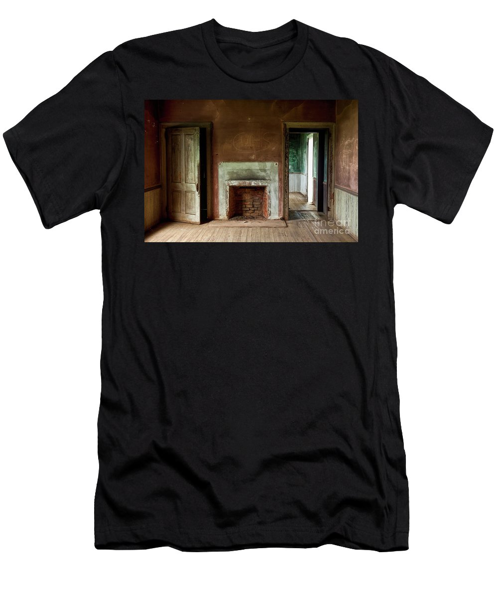 Outdoor Men's T-Shirt (Athletic Fit) featuring the photograph Abandoned by Linda D Lester