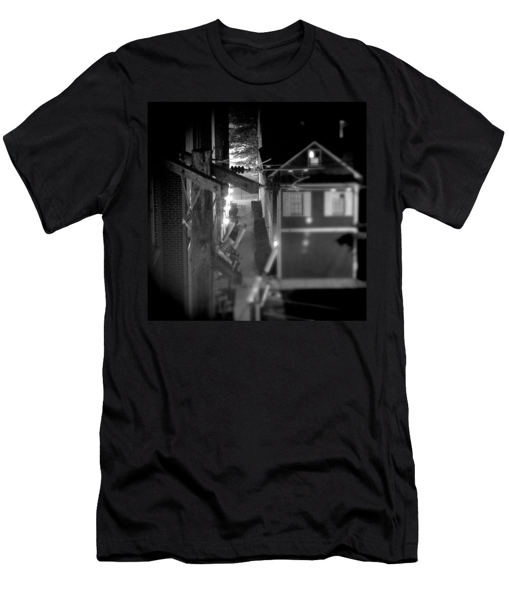 Alley Men's T-Shirt (Athletic Fit) featuring the photograph Alley To High by Jean Macaluso