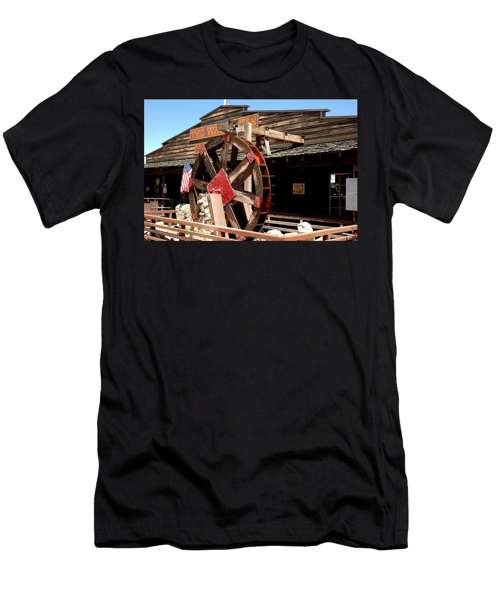 Usa Men's T-Shirt (Athletic Fit) featuring the photograph America Water Wheel by LeeAnn McLaneGoetz McLaneGoetzStudioLLCcom