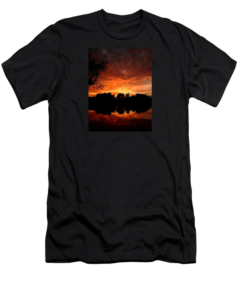 Sunset Men's T-Shirt (Athletic Fit) featuring the photograph An Awesome Sunset by J R Seymour