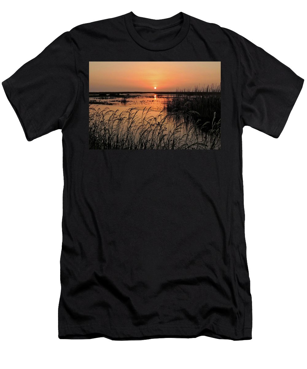 Sunset Men's T-Shirt (Athletic Fit) featuring the photograph Anahuac Nation Wildlife Refuge Sunset by Lindy Pollard