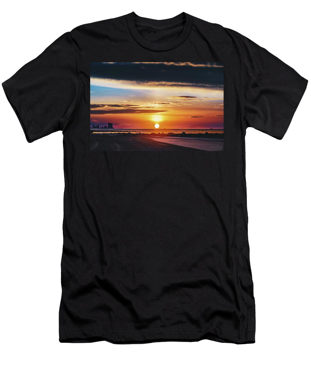 J. Zaring Men's T-Shirt (Athletic Fit) featuring the photograph Another Island Morning by Joshua Zaring