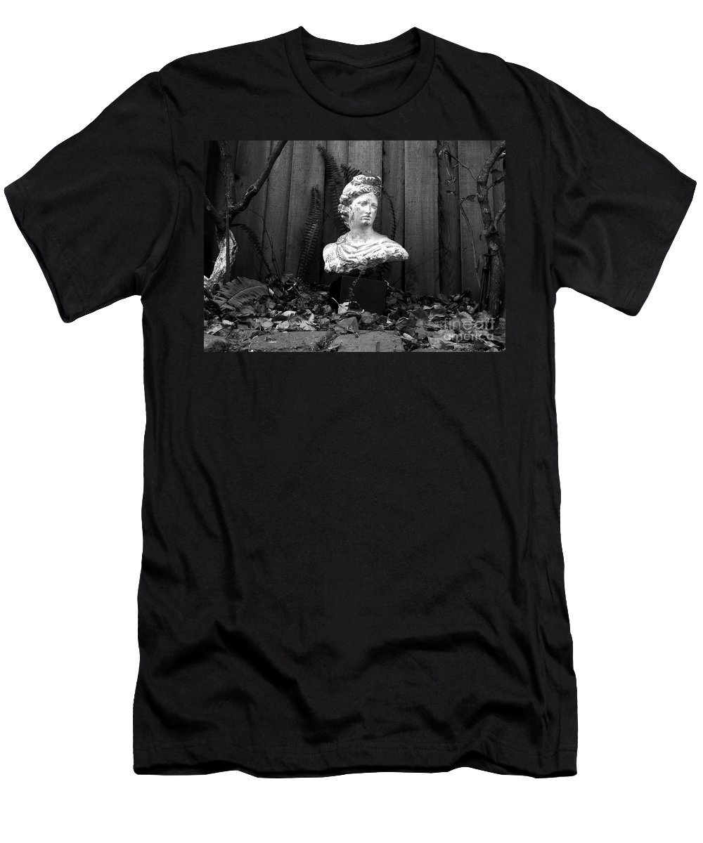 Apollo Men's T-Shirt (Athletic Fit) featuring the photograph Apollo In The Backyard by David Lee Thompson