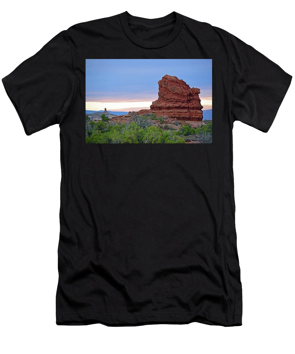 Arches Men's T-Shirt (Athletic Fit) featuring the photograph Arches National Park No. 1-1 by Sandy Taylor