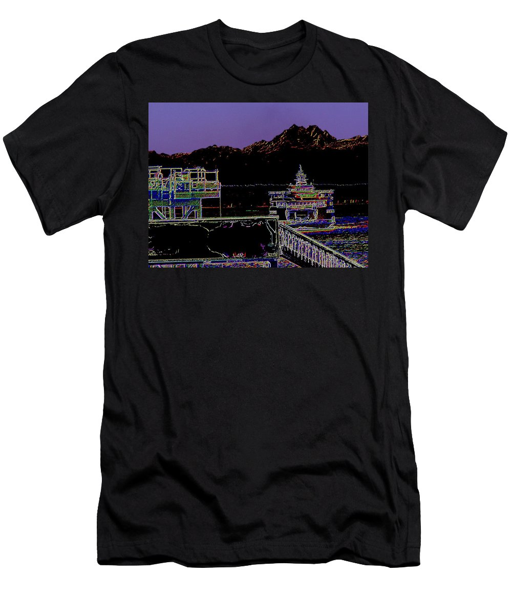 Seattle Men's T-Shirt (Athletic Fit) featuring the photograph Arrival by Tim Allen