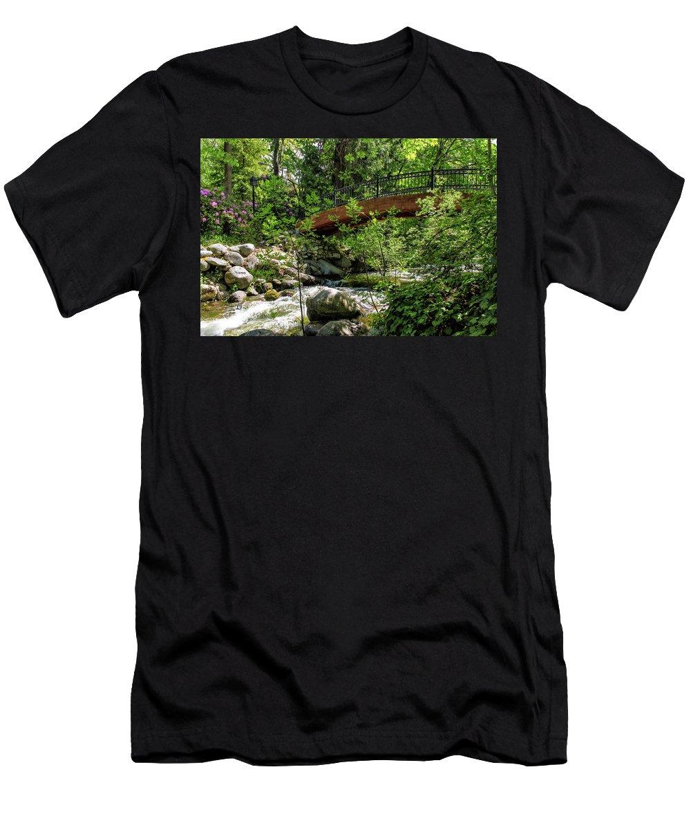 Bridge Men's T-Shirt (Athletic Fit) featuring the photograph Ashland Creek by James Eddy