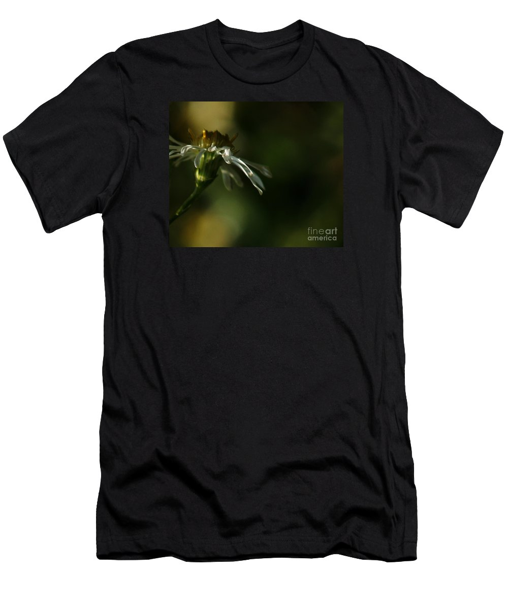 Flower Men's T-Shirt (Athletic Fit) featuring the photograph Aster's Peripheral Ray by Linda Shafer