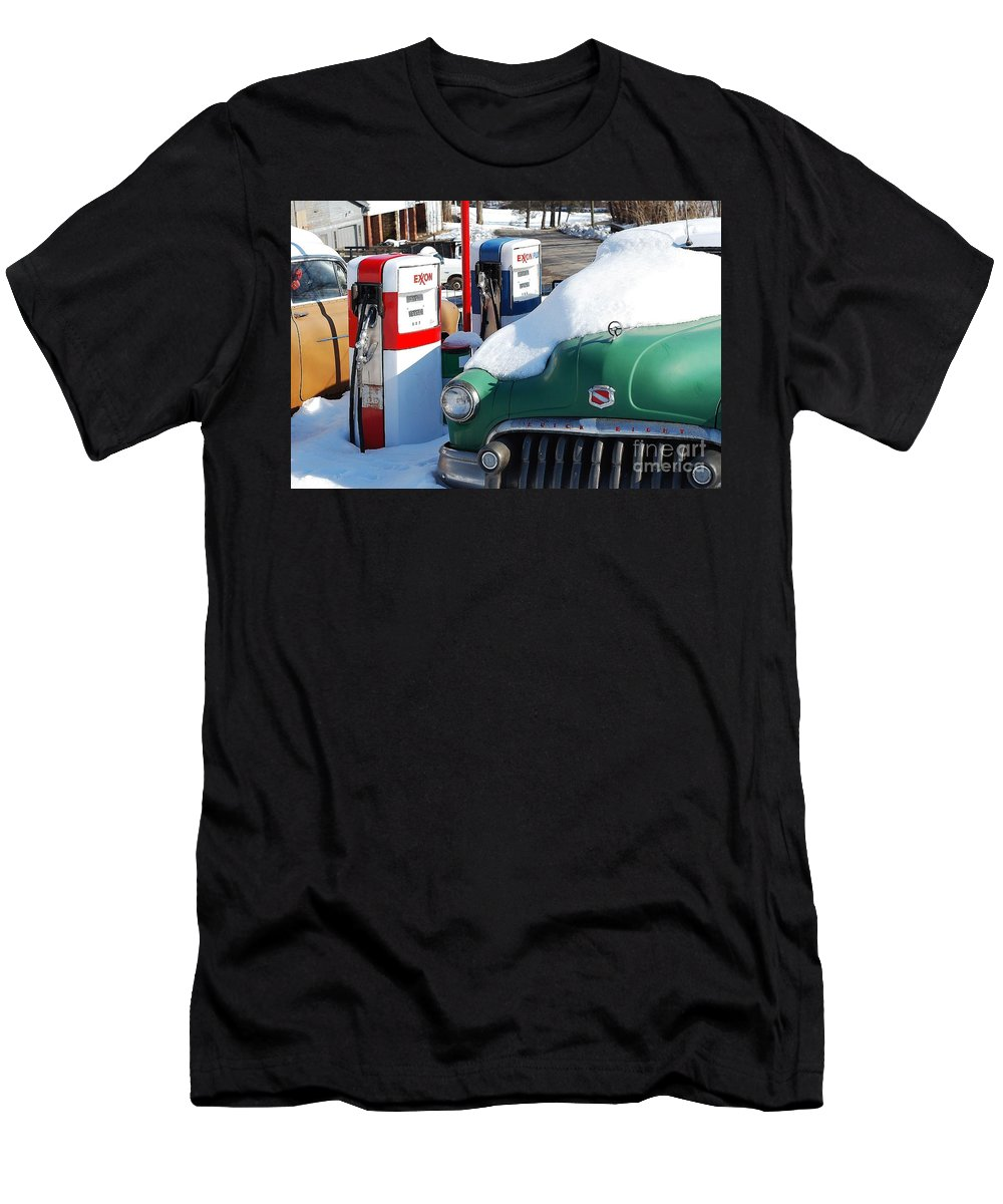 Old Car Men's T-Shirt (Athletic Fit) featuring the photograph Back In The Day by Todd Hostetter