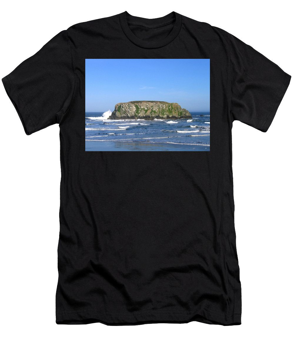 Table Rock Men's T-Shirt (Athletic Fit) featuring the photograph Bandon 12 by Will Borden