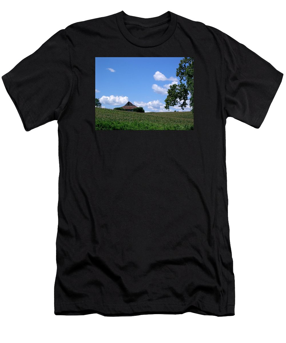 Barn Men's T-Shirt (Athletic Fit) featuring the photograph Barn 2 by Lin Grosvenor