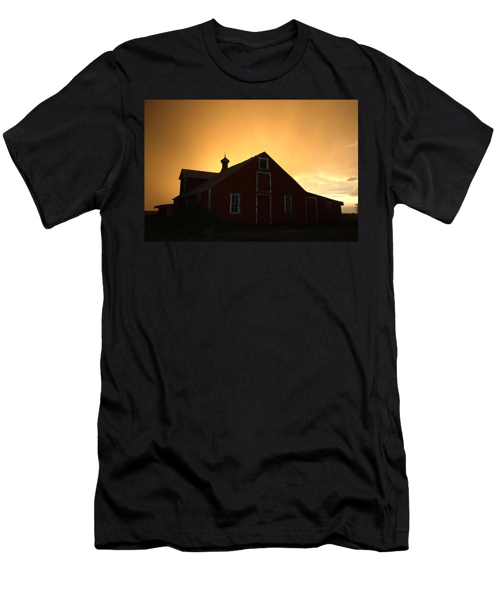 Barn Men's T-Shirt (Athletic Fit) featuring the photograph Barn At Sunset by Jerry McElroy