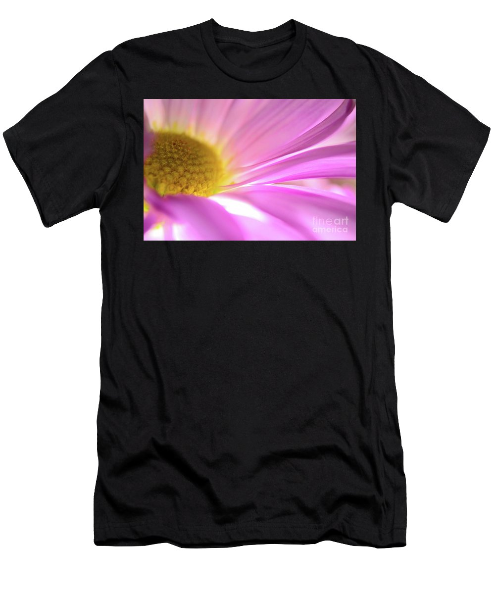 Daisy Men's T-Shirt (Athletic Fit) featuring the photograph Beautiful Dreamer by Chad and Stacey Hall