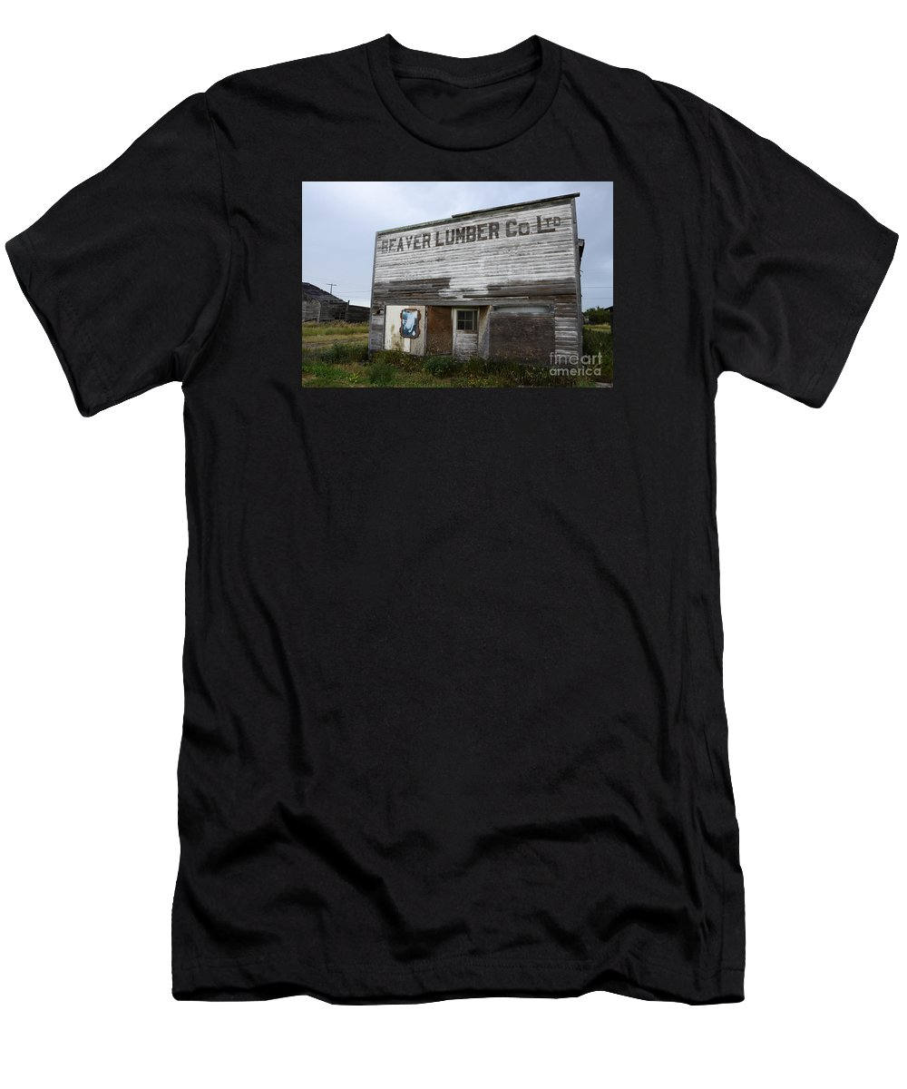 Beaver Men's T-Shirt (Athletic Fit) featuring the photograph Beaver Lumber Company Ltd Robsart by Bob Christopher
