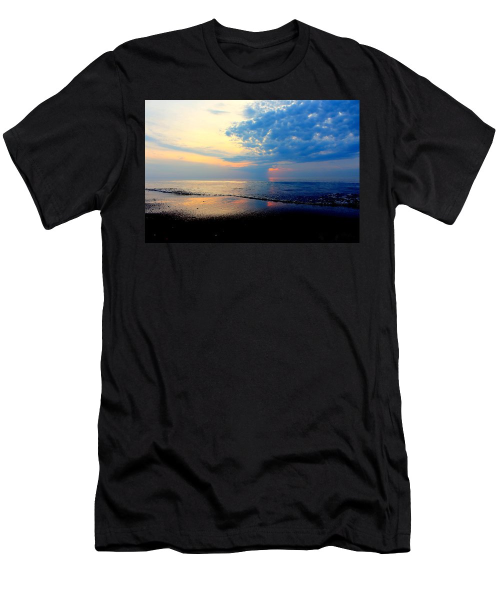 Grand Bend Men's T-Shirt (Athletic Fit) featuring the photograph Before The Front 3 by John Scatcherd