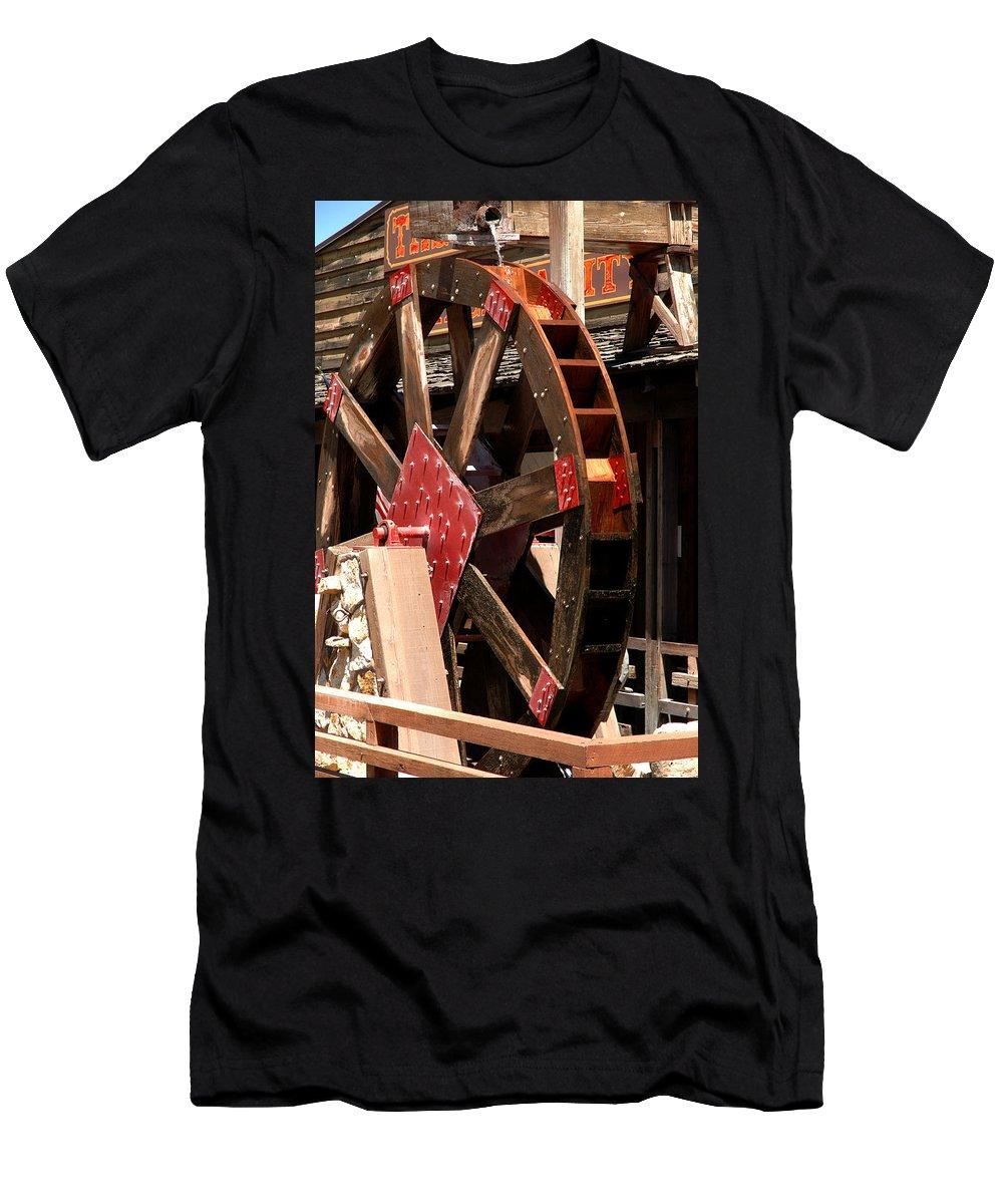 Usa Men's T-Shirt (Athletic Fit) featuring the photograph Big Wheels Keep On Turning by LeeAnn McLaneGoetz McLaneGoetzStudioLLCcom