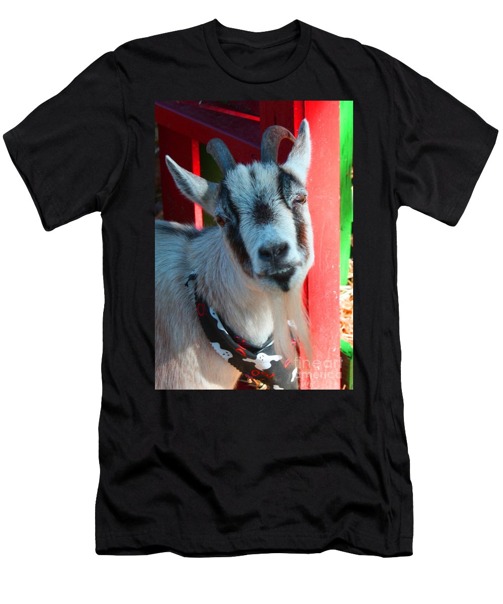 Goak Men's T-Shirt (Athletic Fit) featuring the photograph Billy by Tommy Anderson