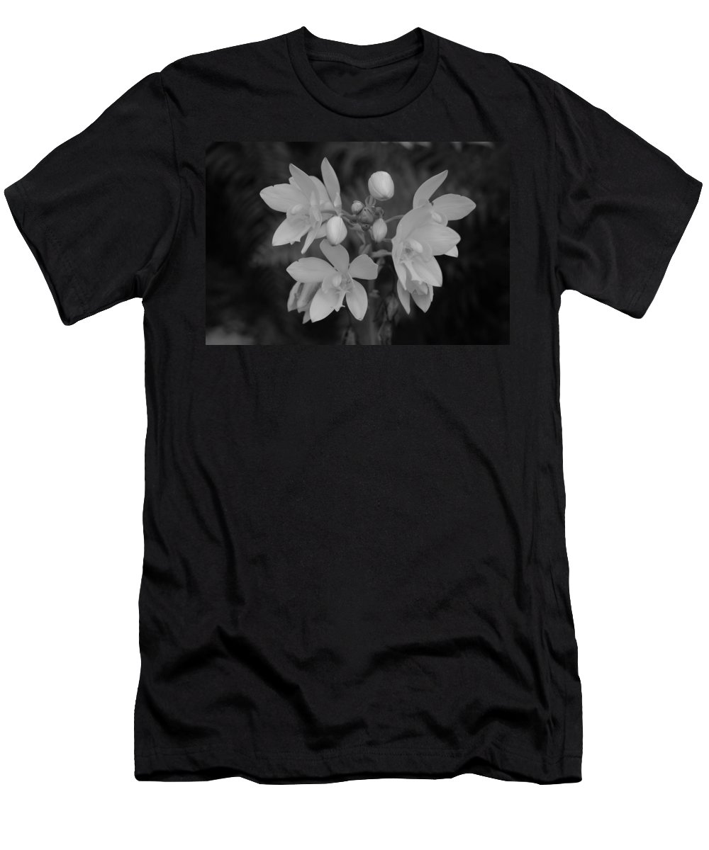 Macro Men's T-Shirt (Athletic Fit) featuring the photograph Black And White Flower by Rob Hans