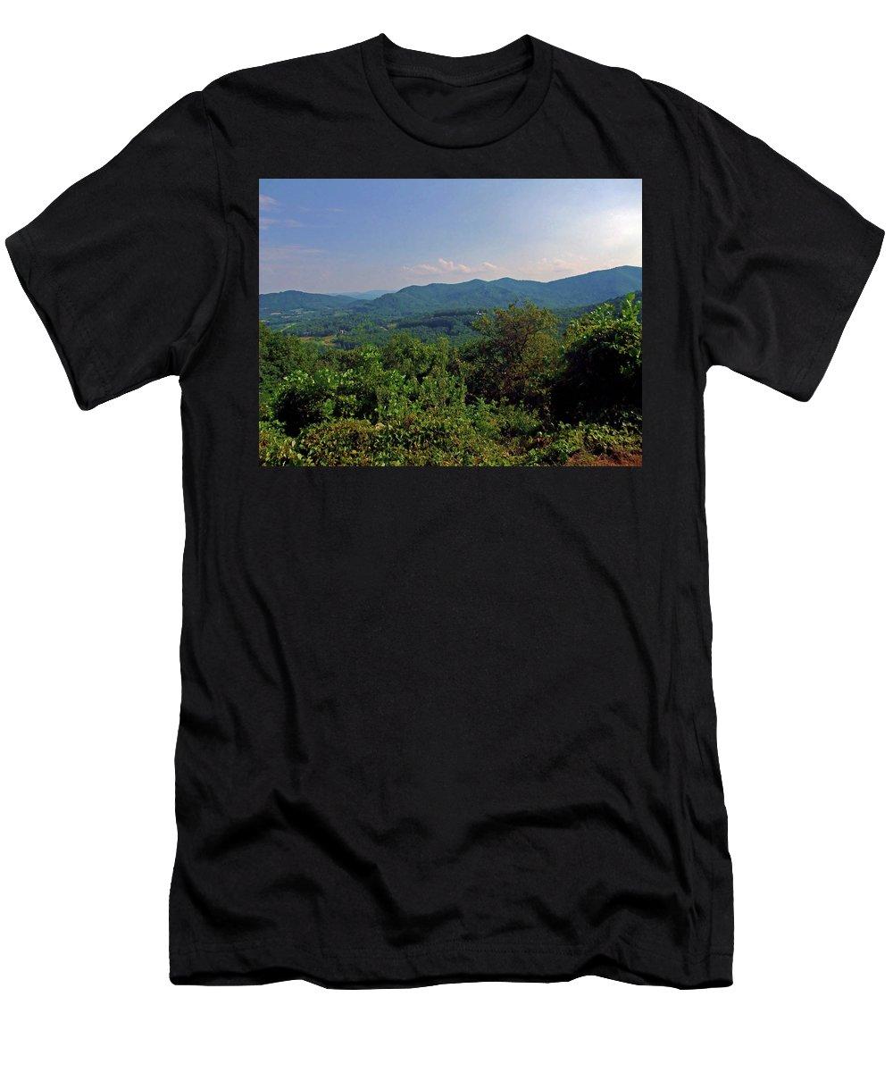 Landscape Men's T-Shirt (Athletic Fit) featuring the photograph Blue Ridge Pkwy by Susan Lunsford