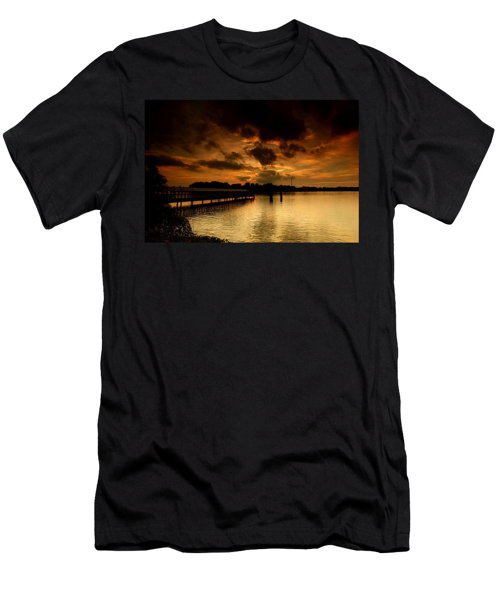 Sunset Men's T-Shirt (Athletic Fit) featuring the photograph Boblo Dock by Cale Best
