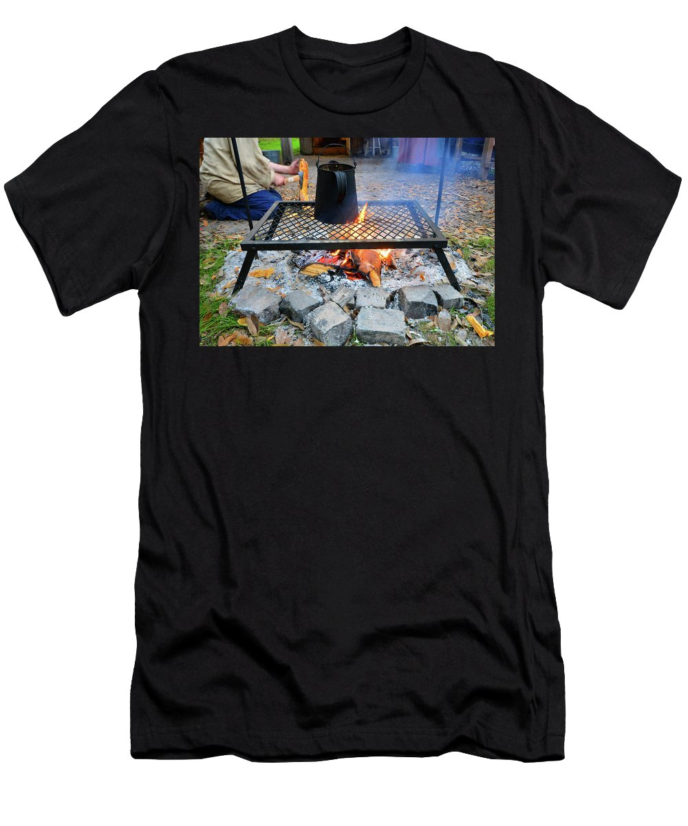 Coffee Men's T-Shirt (Athletic Fit) featuring the photograph Brewing Outdoors by David Lee Thompson