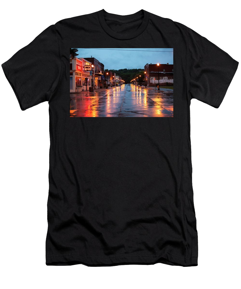 Broadway St Men's T-Shirt (Athletic Fit) featuring the photograph Broadway St. Excelsior Springs, Mo by Warren Still