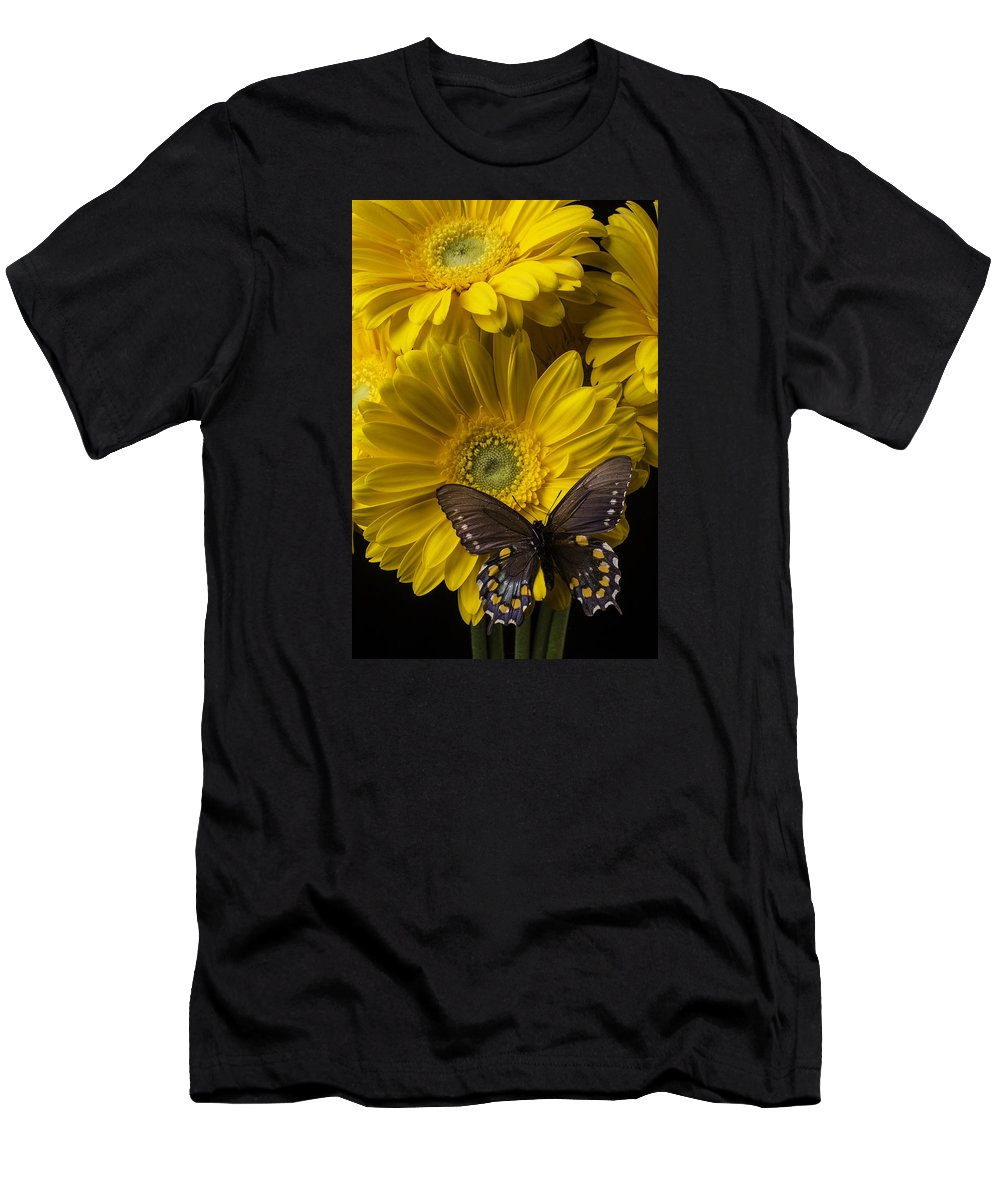 Vertical Men's T-Shirt (Athletic Fit) featuring the photograph Brown Butterfly On Yellow Daisies by Garry Gay