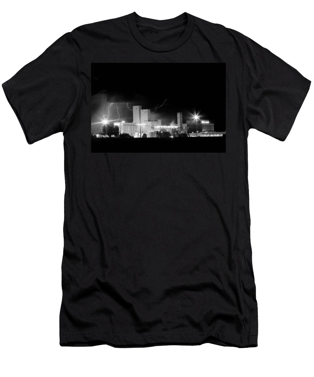40d Men's T-Shirt (Athletic Fit) featuring the photograph Budwesier Brewery Lightning Thunderstorm Image 3918 Bw by James BO Insogna