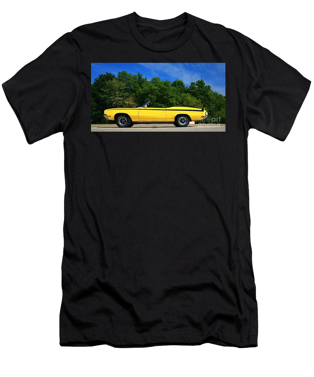 Car Men's T-Shirt (Athletic Fit) featuring the photograph Buick Gsx by Robert Pearson