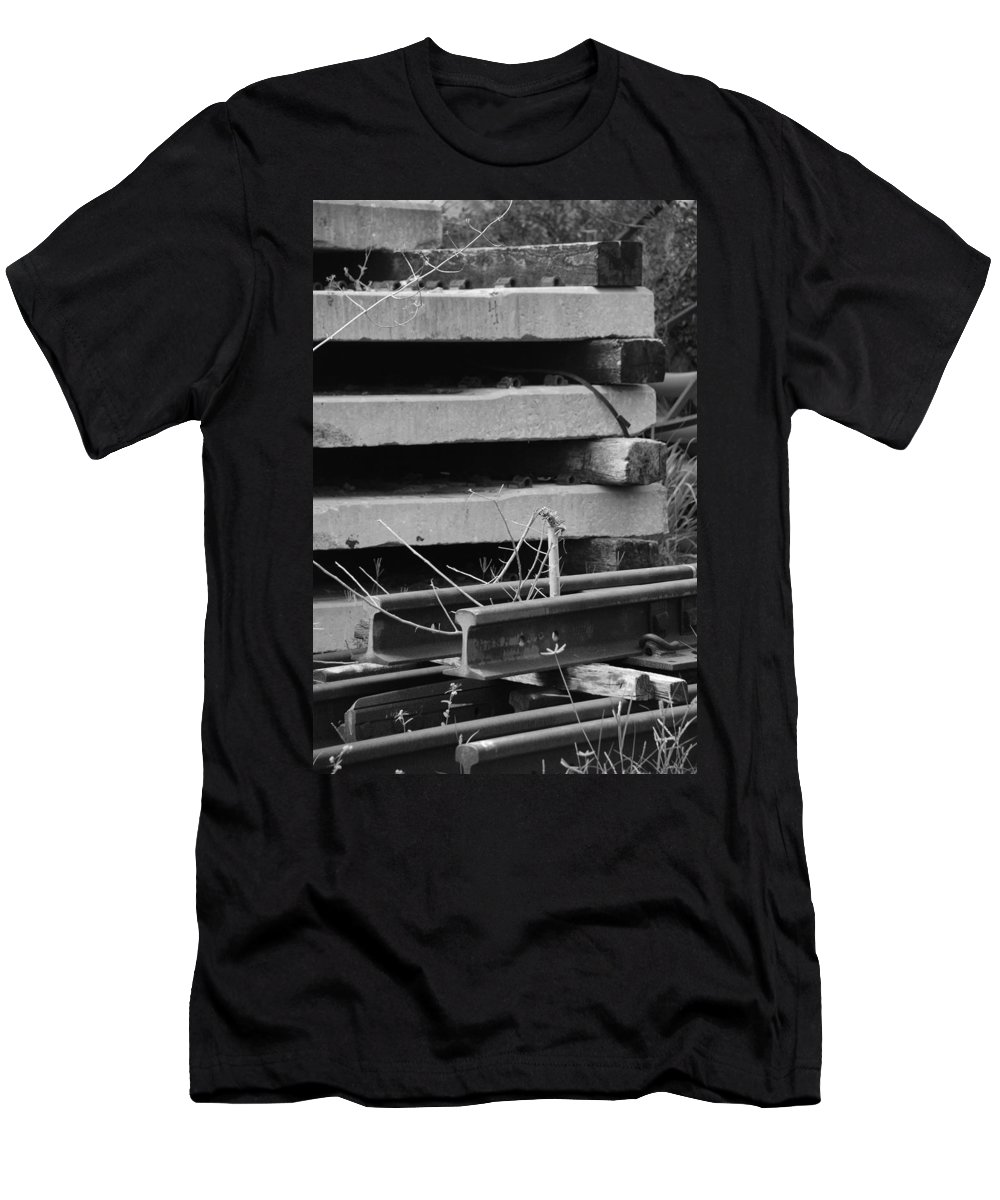 Black And White Men's T-Shirt (Athletic Fit) featuring the photograph Building Tracks by Rob Hans