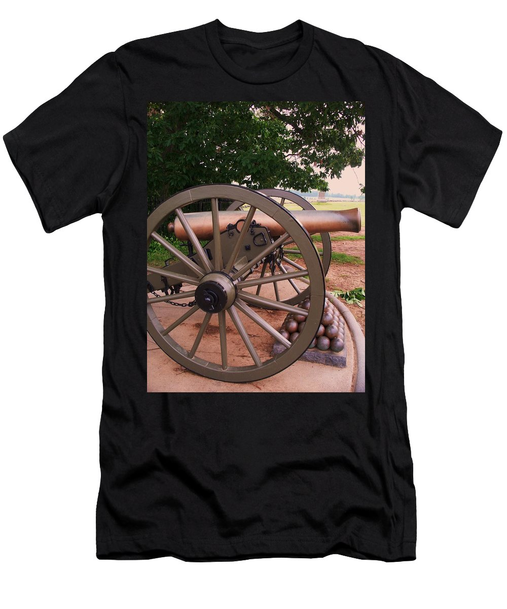 Field Men's T-Shirt (Athletic Fit) featuring the painting Cannon Gettysburg by Eric Schiabor