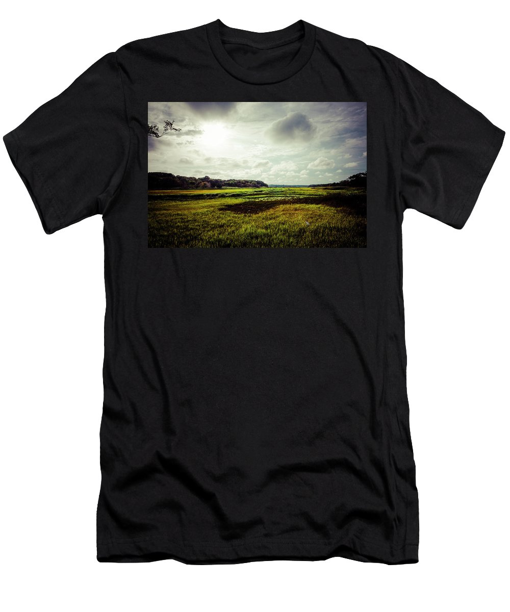 Glorious Men's T-Shirt (Athletic Fit) featuring the photograph Cape Cod Marsh 1 by Frank Winters