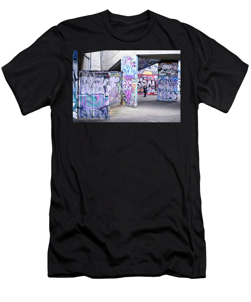 London Men's T-Shirt (Athletic Fit) featuring the photograph Capturing by Andy Denial
