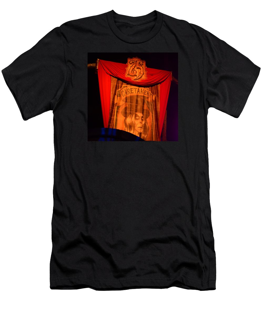 Hhn25 Men's T-Shirt (Athletic Fit) featuring the photograph Caretaker Banner by David Lee Thompson