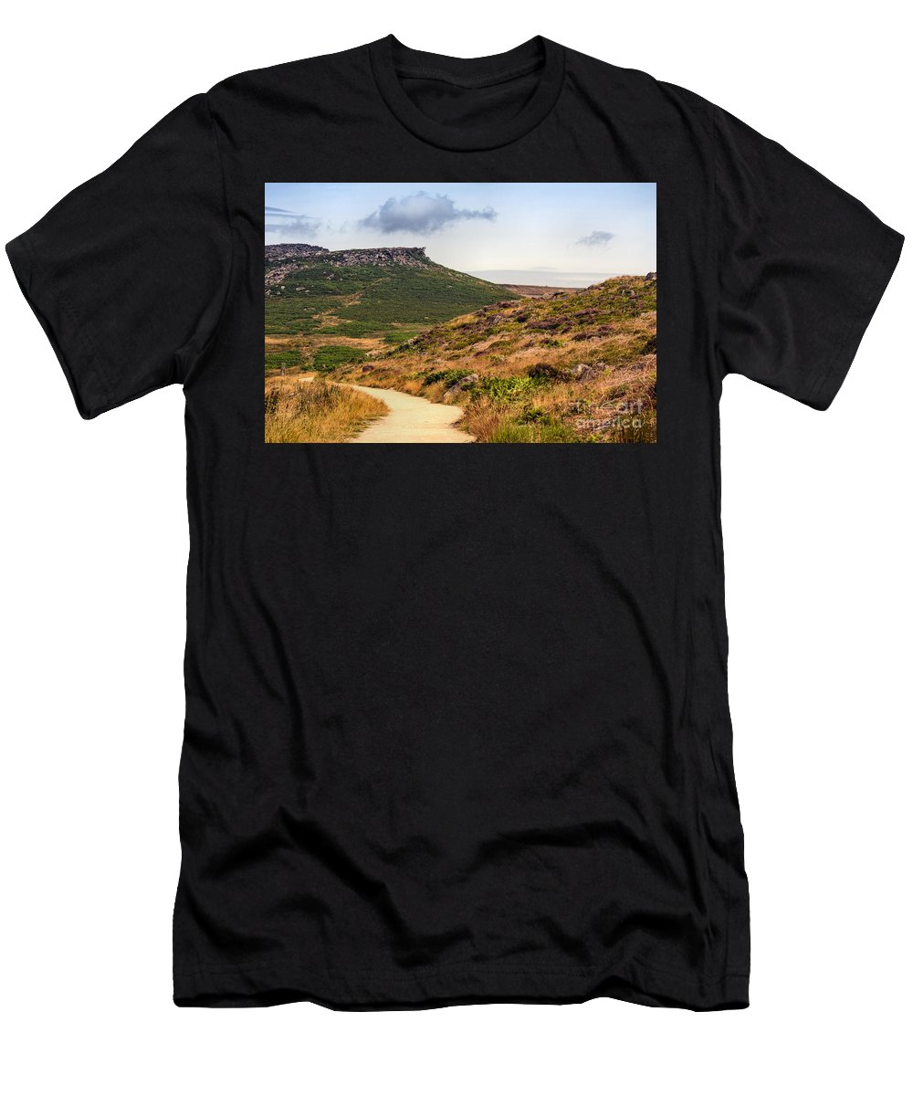 England - Peak District - Carl Wark - Moor - Path - Sky - Landscape - Summer -rocks - Heather Men's T-Shirt (Athletic Fit) featuring the photograph Carl Wark by Chris Horsnell