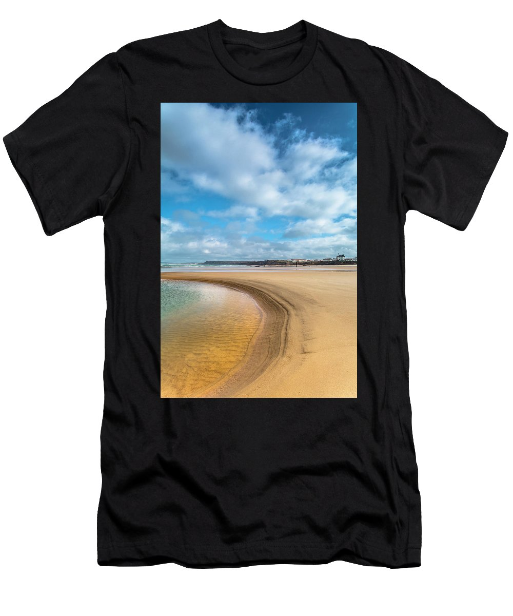 Nature Men's T-Shirt (Athletic Fit) featuring the photograph Children Playing by Edgar Laureano