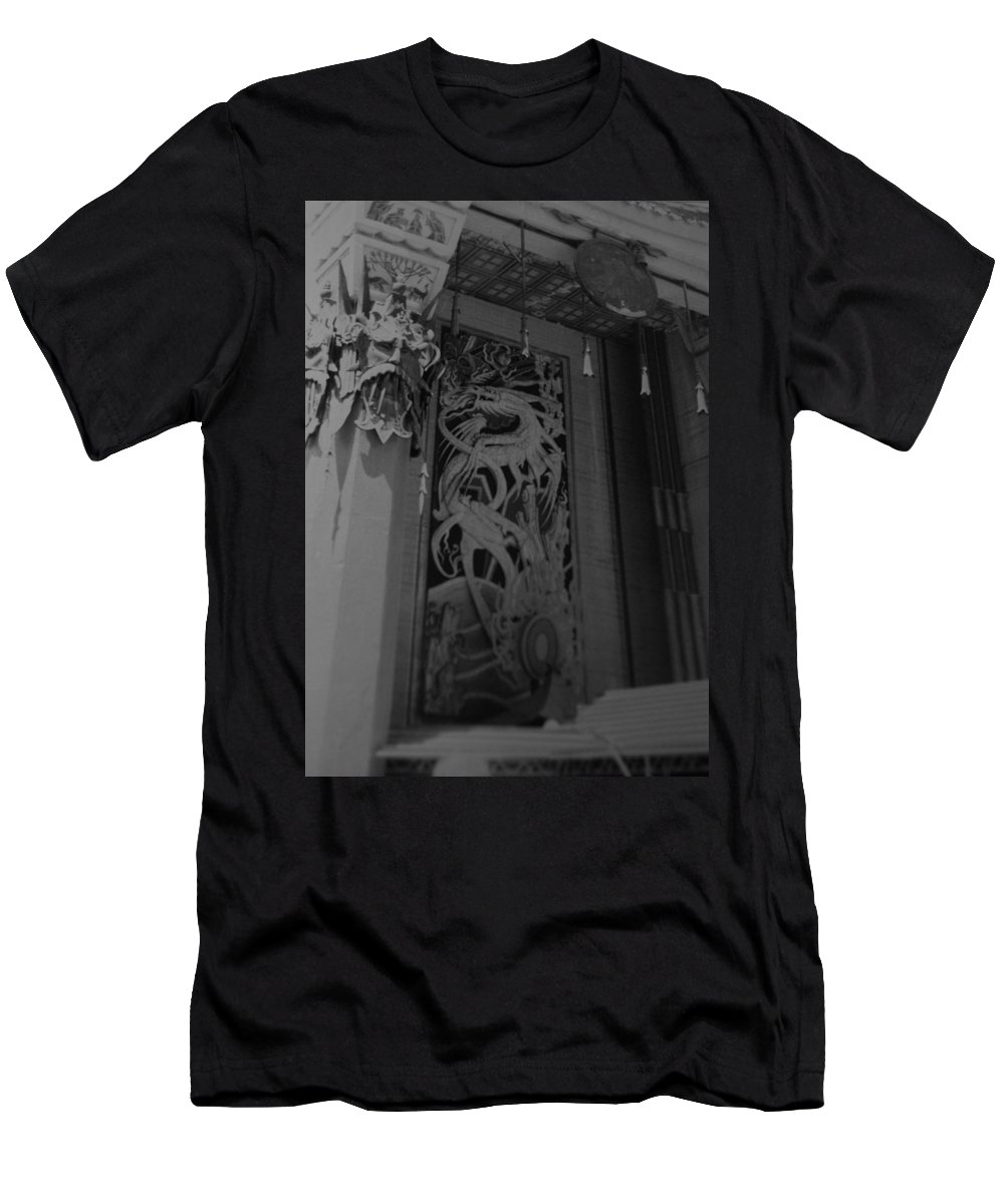 Black And White Men's T-Shirt (Athletic Fit) featuring the photograph Chinese Theater by Rob Hans