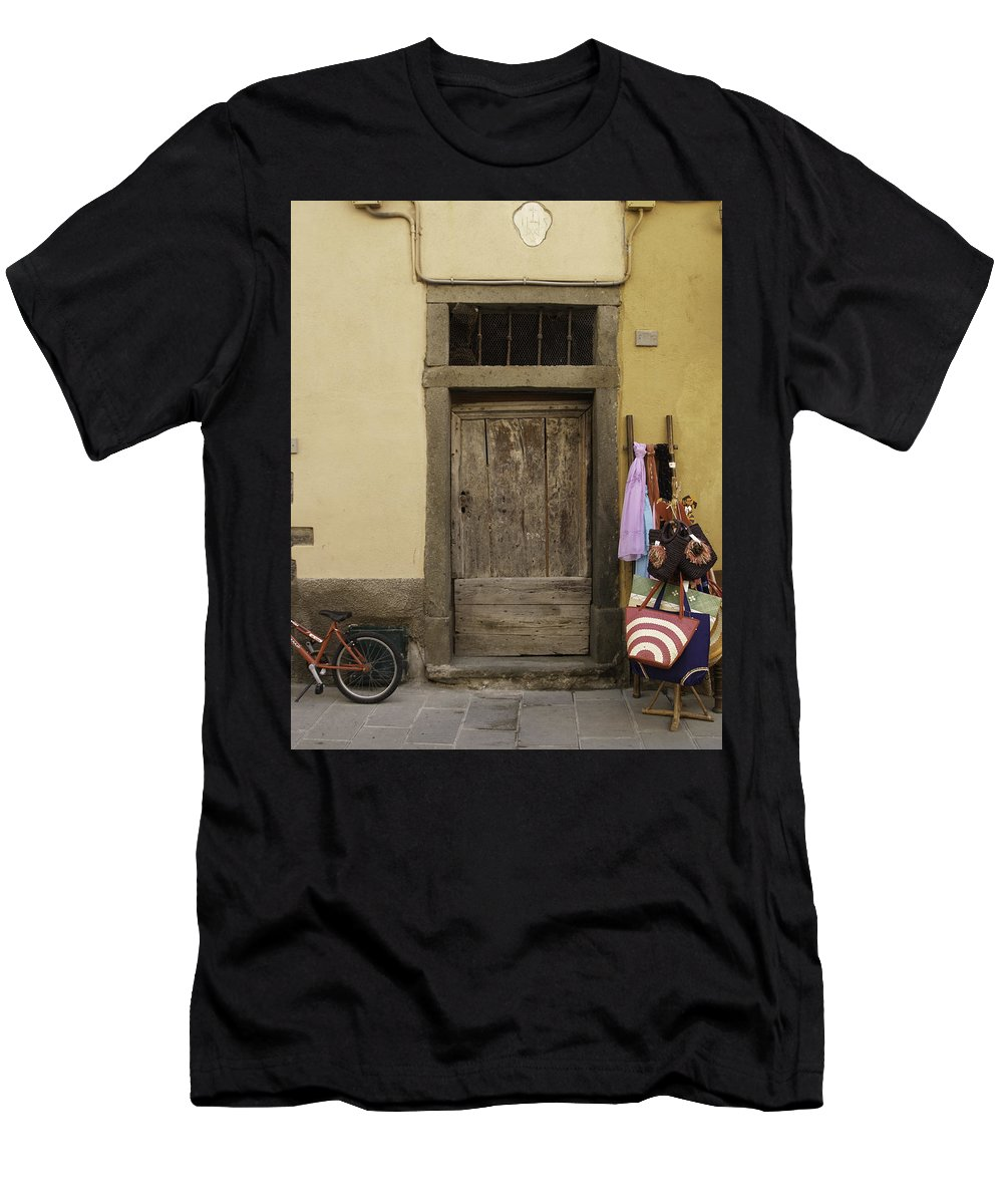 Cinque Terre Men's T-Shirt (Athletic Fit) featuring the photograph Cinque Terre Door by Tom Wiggins