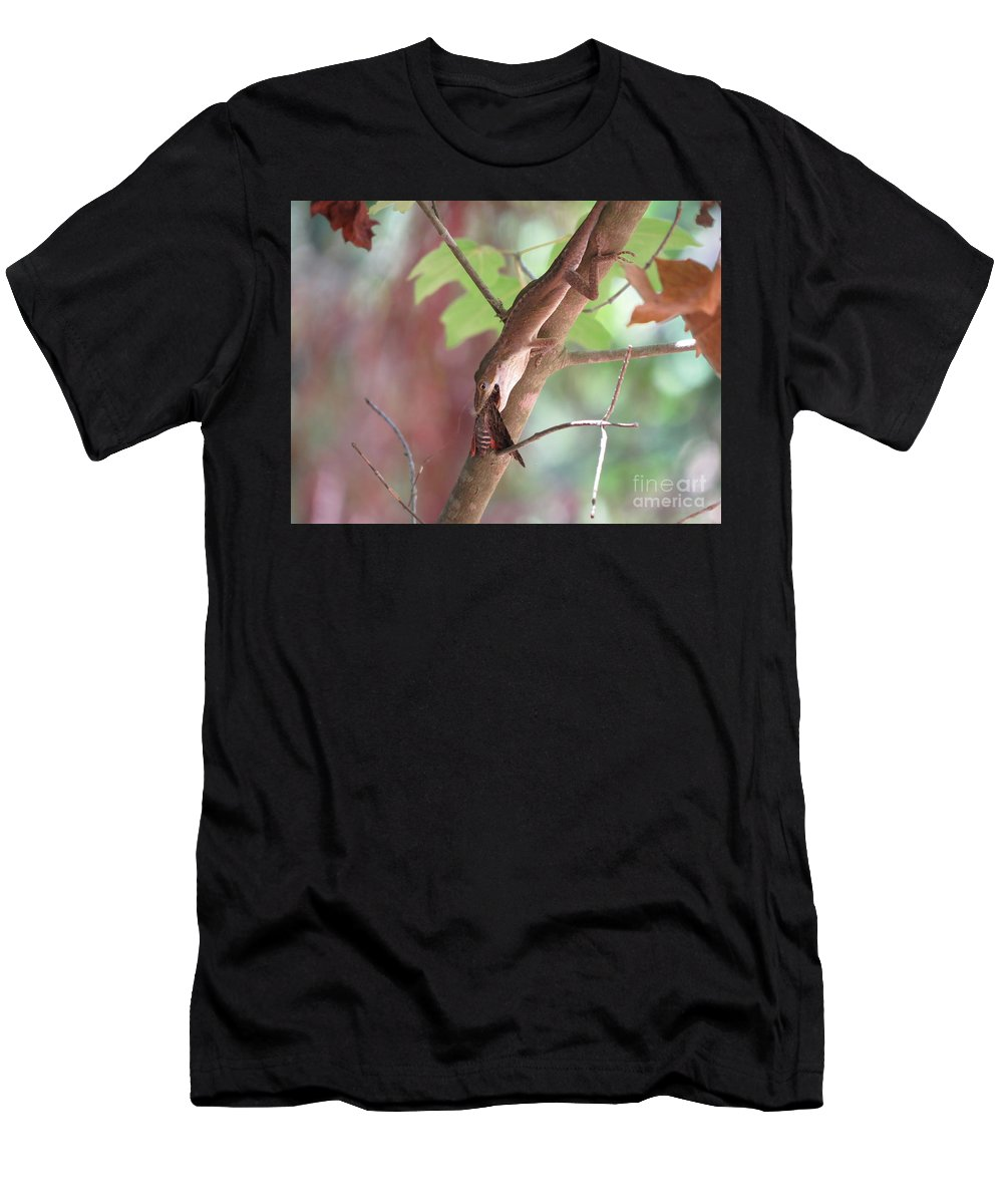 Lizard Men's T-Shirt (Athletic Fit) featuring the photograph Circle Of Life by Charles Green