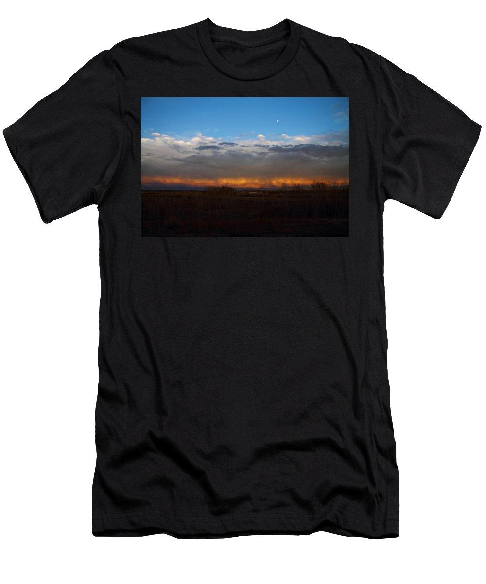 Weather Men's T-Shirt (Athletic Fit) featuring the photograph Cloud Spectrum by Marcelo Albuquerque