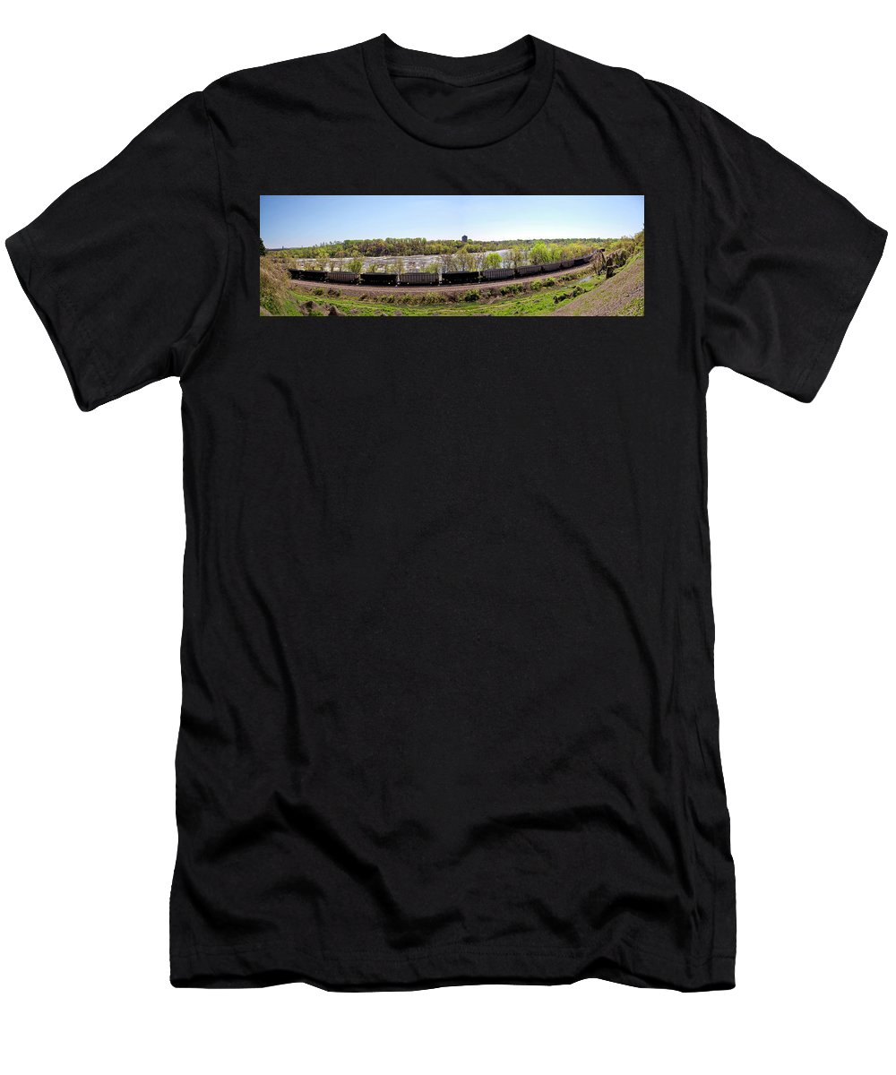 Richmond Men's T-Shirt (Athletic Fit) featuring the photograph Coal Train by Noel Baebler