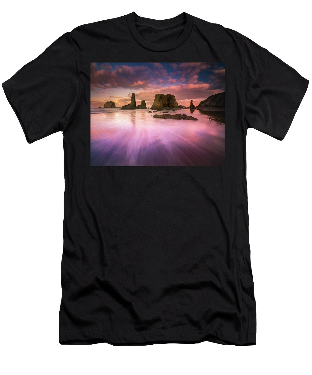 Oregon Men's T-Shirt (Athletic Fit) featuring the photograph Colorful Flux From Seastacks by William Freebilly photography