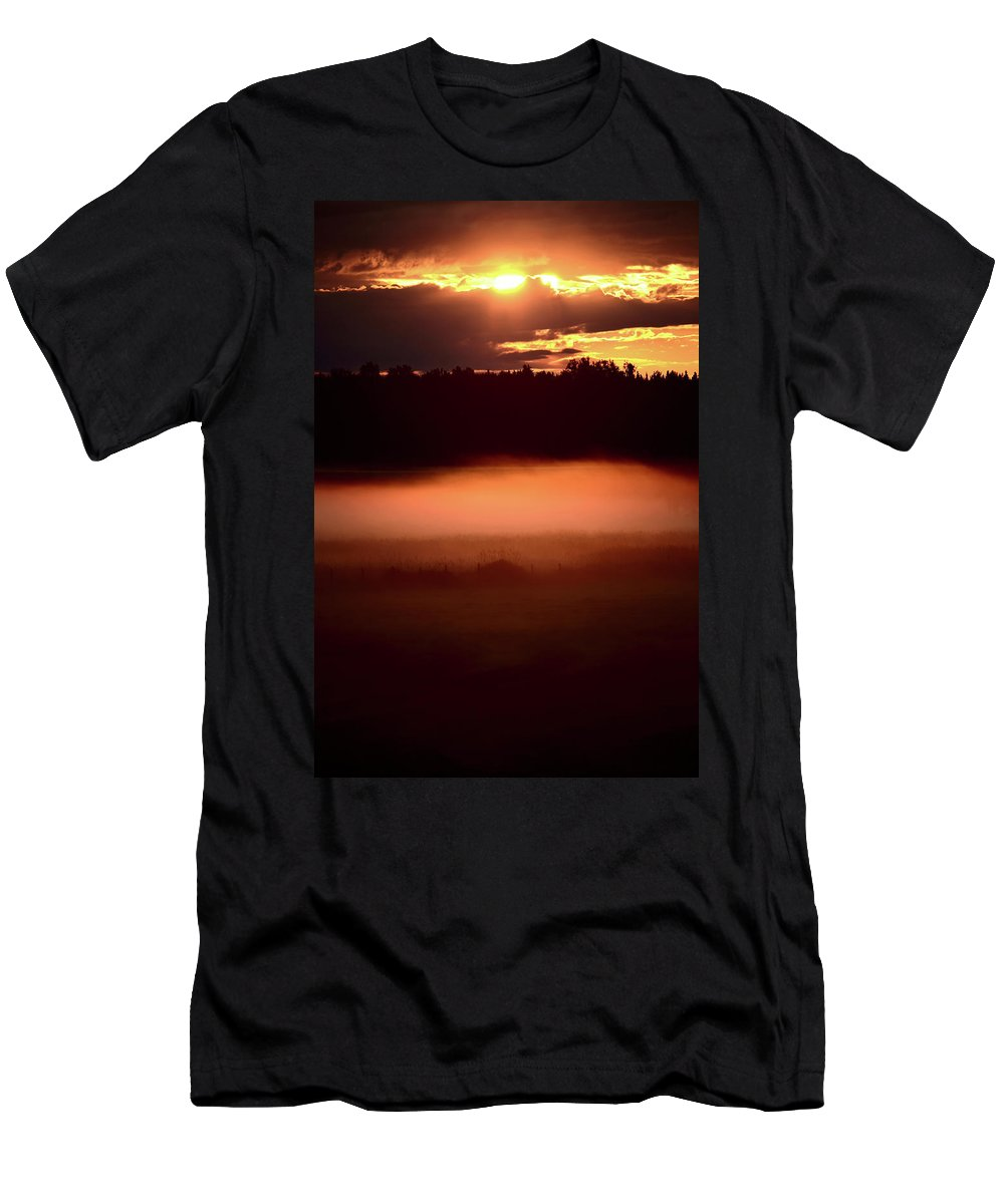 Sun Men's T-Shirt (Athletic Fit) featuring the digital art Colorful Skies Nearing Sunset by Mark Duffy