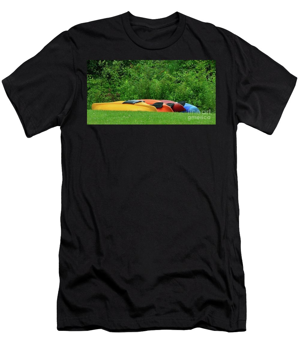 Color Men's T-Shirt (Athletic Fit) featuring the photograph Colors by Rodney Perry